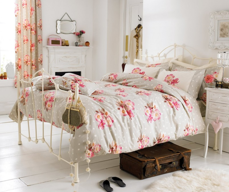 Floral Bedroom Harmony for Home